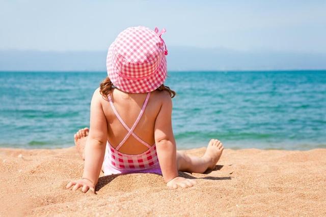 Tắm nắng là cách bổ sung vitamin D đơn giản và hiệu quả