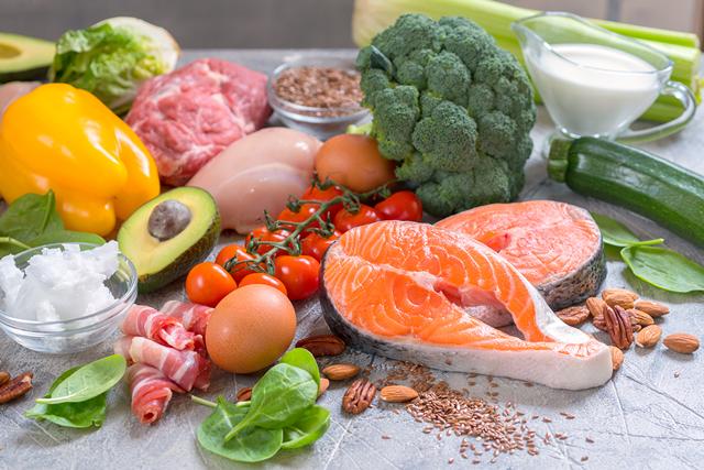 Ăn uống đầy đủ dinh dưỡng giúp cơ thể phát triển toàn diện