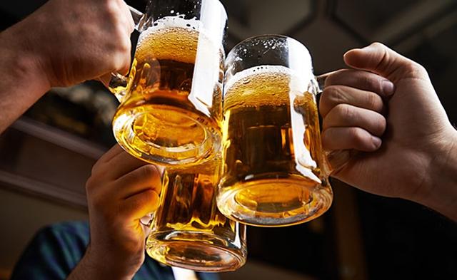 Rượu bia cản trở chiều cao phát triển tối đa
