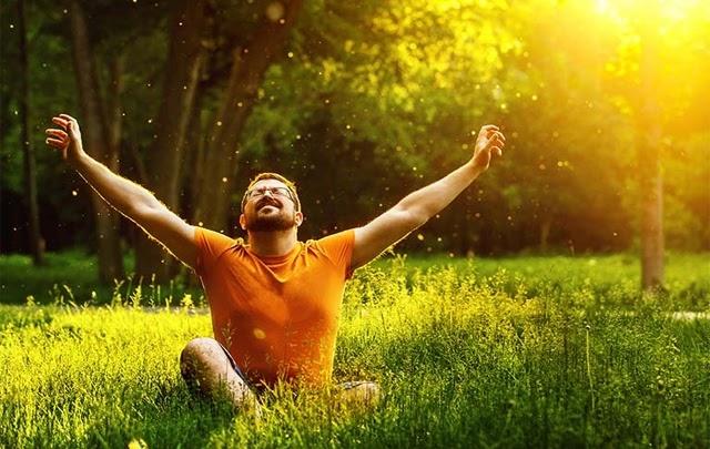 Tắm nắng khoảng 10 - 15 phút/lần và 2 - 3 lần mỗi tuần giúp cơ thể có đủ vitamin D